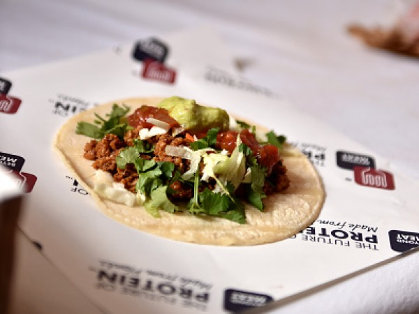 Beyond Meat Crashes The Burger Bash At South Beach Wine & Food Festival