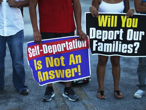 Vigil Held In South Florida In Favor Of Administrative Relief For Immigrants